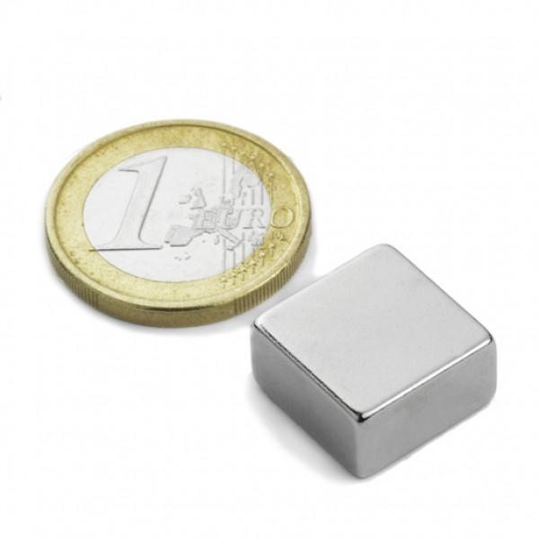Neodīma magnēts 15x15x8mm N42 7.6kg